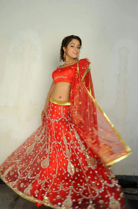 Actress Asmitha Soodh Hot Blouse Stills glamour images