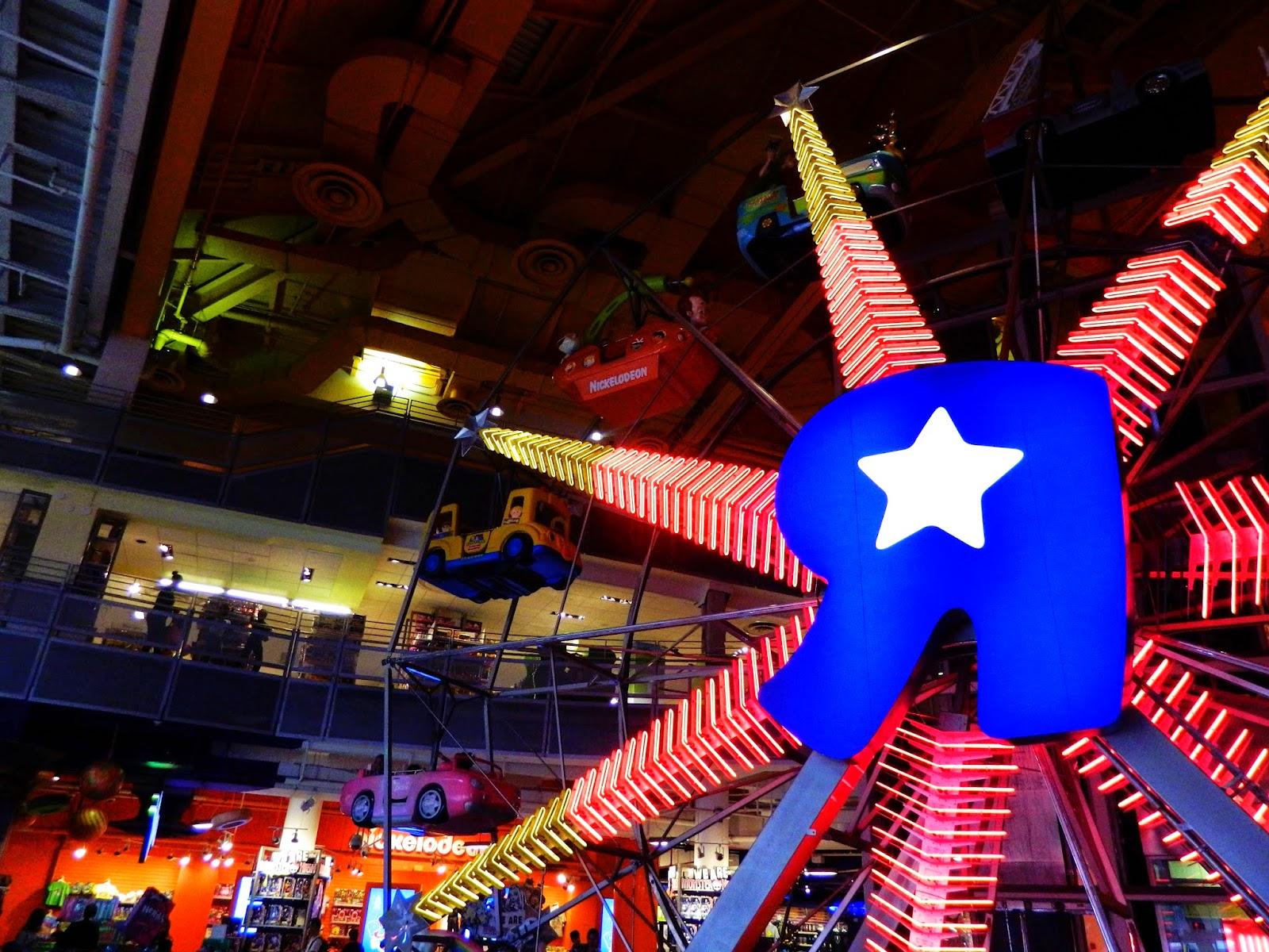 new york city toys r us ferris wheel big times square