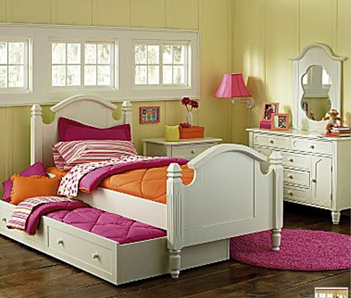 Little girls bedroom little girls room decorating ideas - Bed for girls room ...