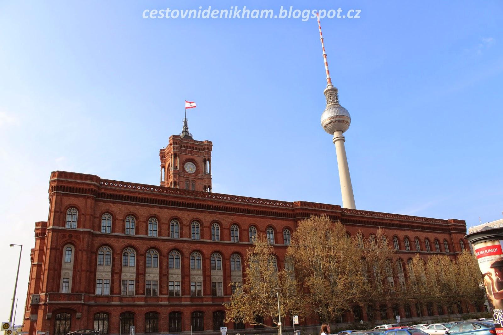 Červená radnice // red Town Hall