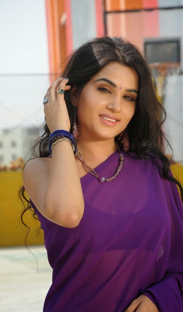 Stunning Kavya Singh South Actress