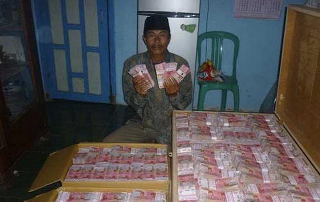 Blogger Malam: 5 Jenis Pesugihan Uang Gaib