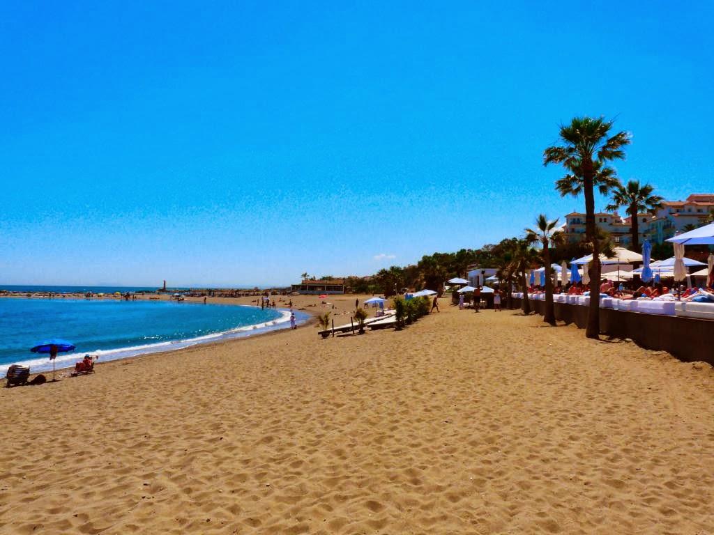 Puerto banus spain travel guide tourist destinations - Puerto banus marbella ...
