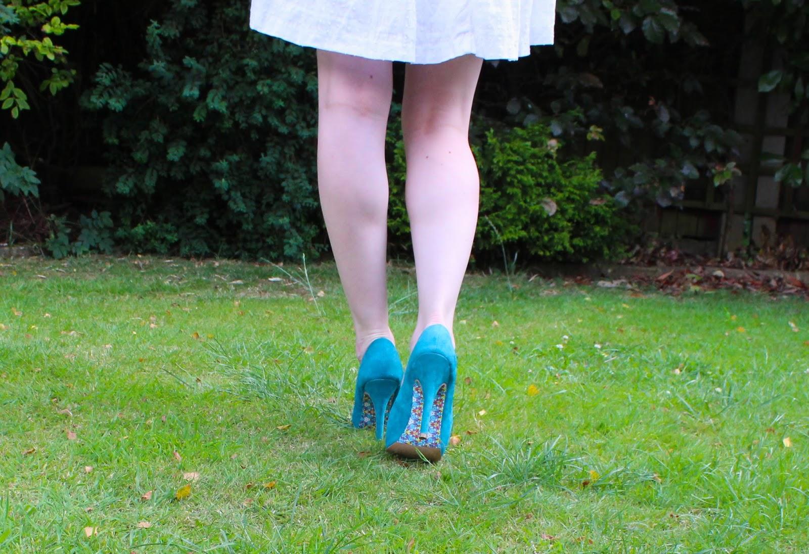 Legs, Pimp your Heels with ShoeLicks