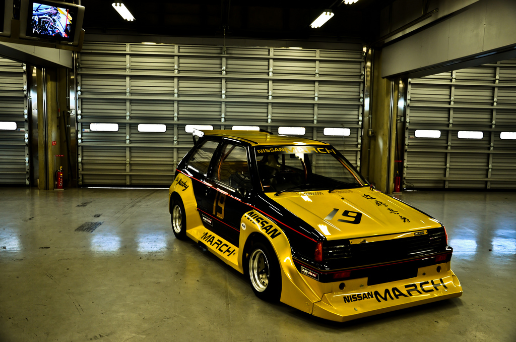 Nissan March (Micra) K10, hatchback do wyścigów, sportowy, japońskie samochody