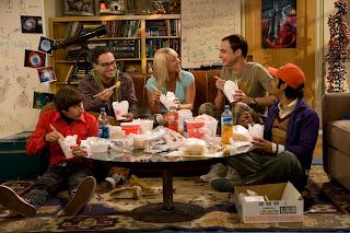 Big Bang Theory Characters Eating HD Wallpaper