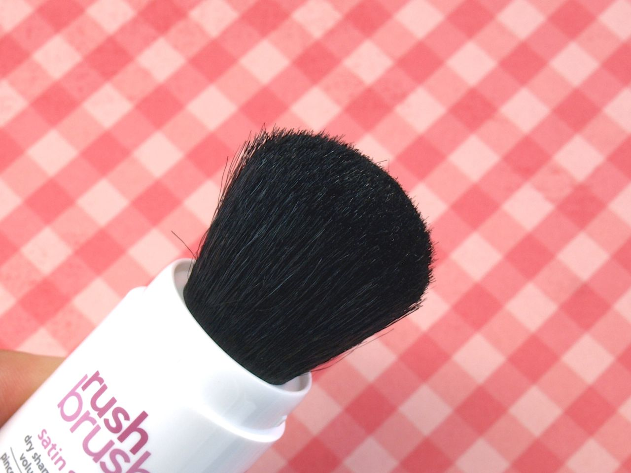 "Cake Rush Brush Satin Sugar Dry Shampoo Powder Volumizing Brush in ""Darkest"": Review"