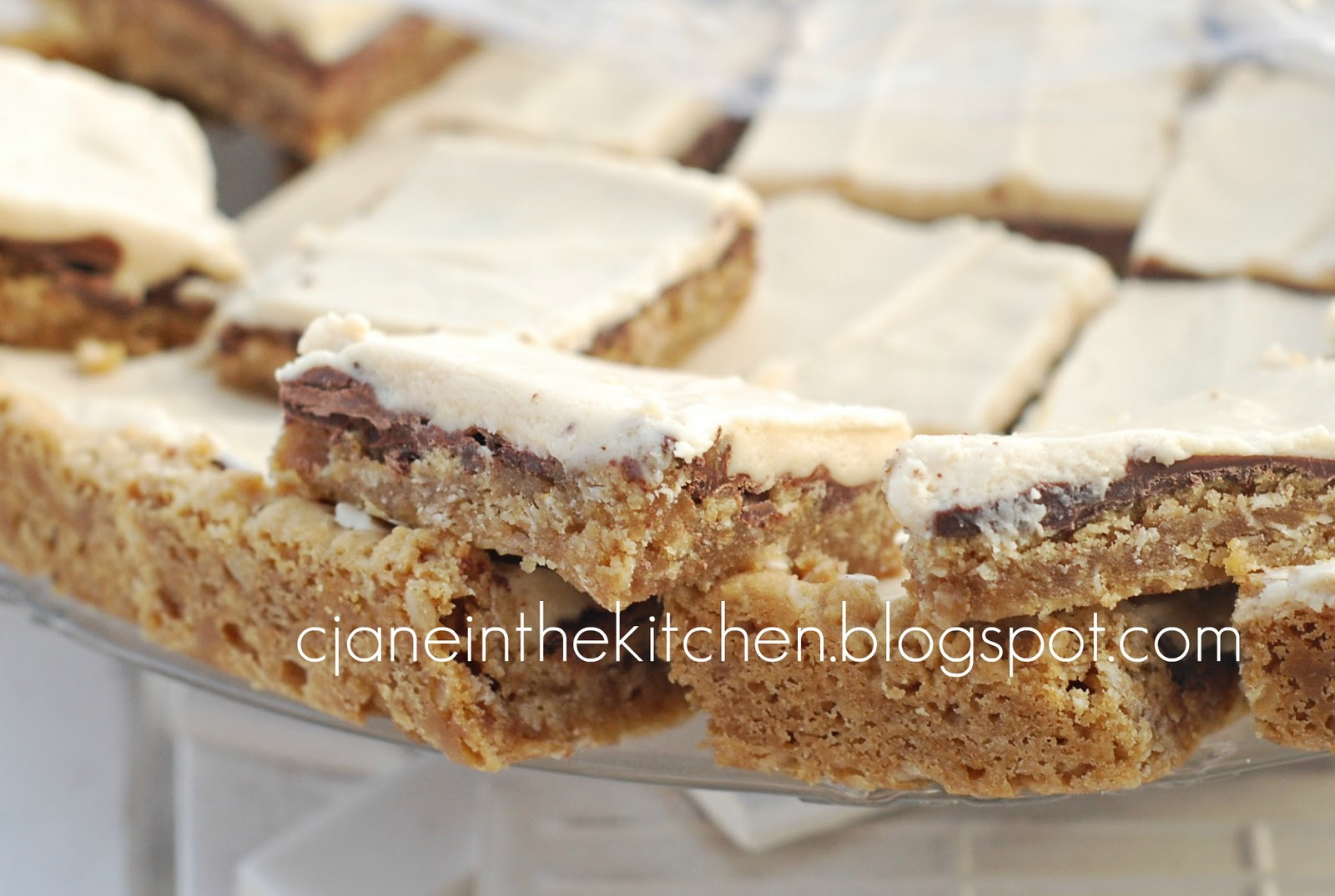 See Jane in the kitchen: Peanut Butter Cookie Bars