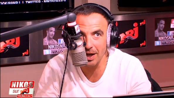 Nikos a le hoquet en direct sur NRJ