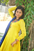 Swapna Photo shoot at debut movie launch-thumbnail-15