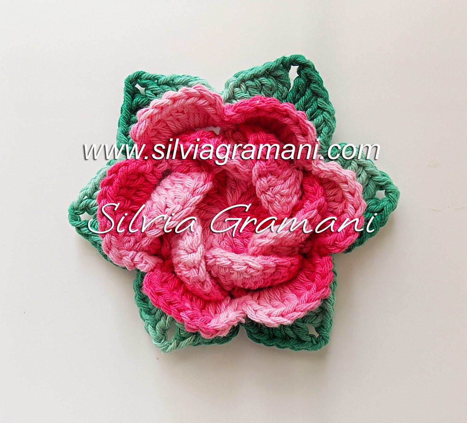 flor rosa de croche de barbante