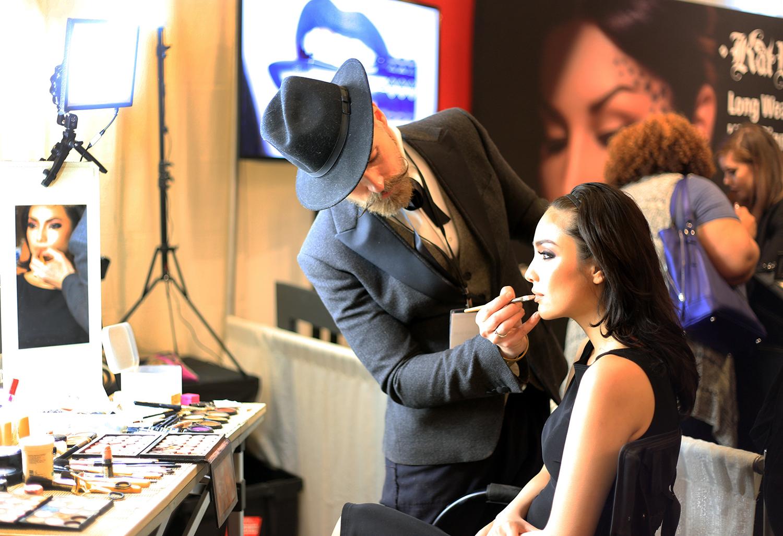 The Makeup Light Product Demo