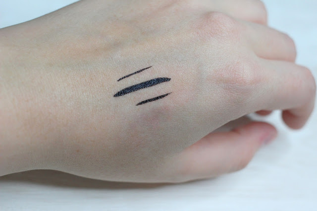 sisley-so-intense-eyeliner-swatch