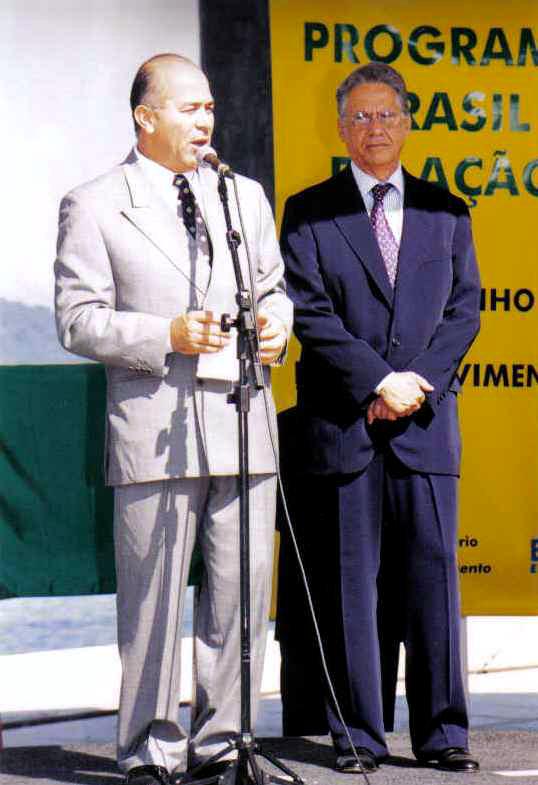 Presidente Fernando Henrique Cardoso e o ministro dos Transportes Eliseu Padilha