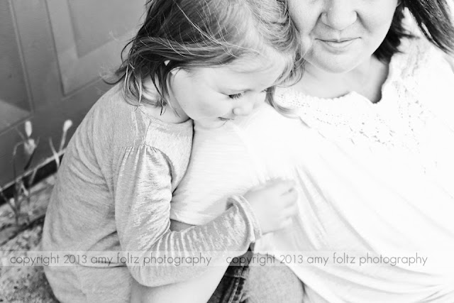 black and white photo of mom and daughter - Clinton, Indiana Photographer