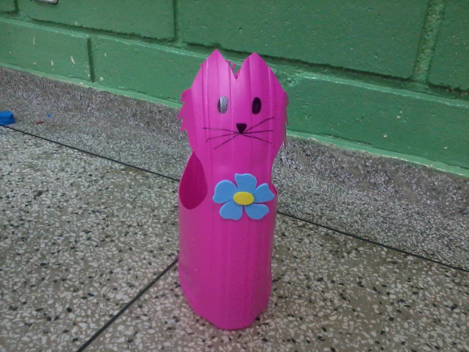 para retroprojetor e com flores de e.v.a (ensinadas em post anterior #A12A83 1600x1200 Banheiro De Gato Como Fazer