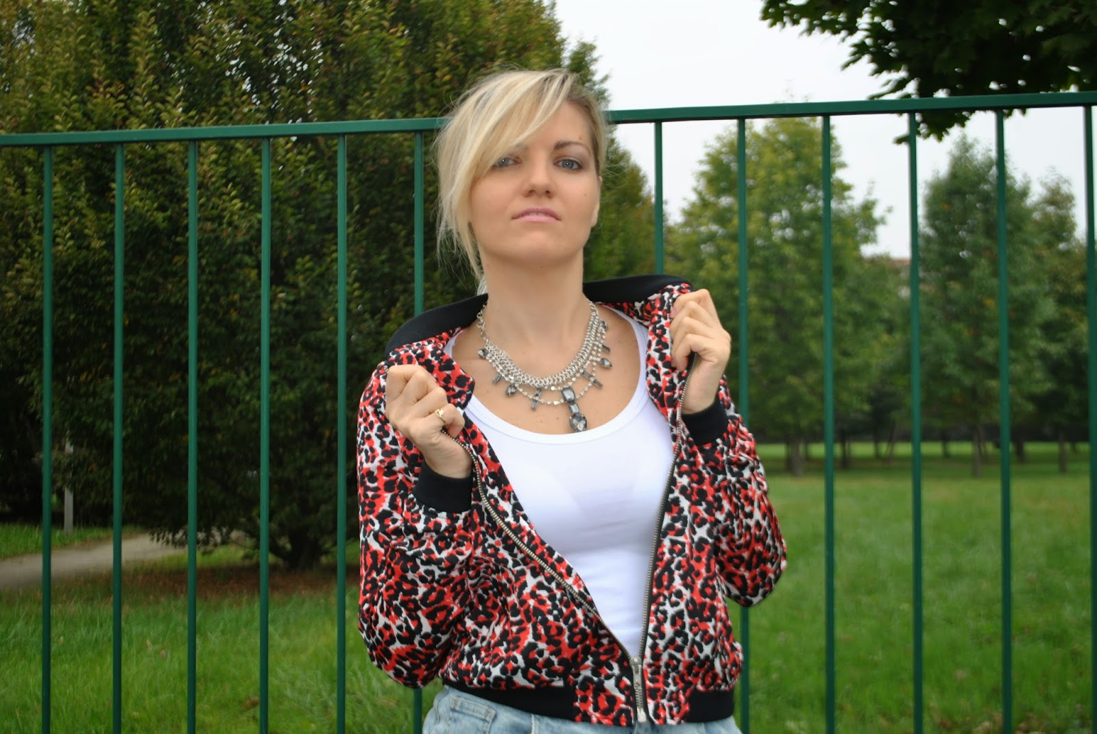 pencil skirt outfit denim pencil skirt denim destroyed pencil skirt how to wear pencil skirt how to wear denim destroyed pencil skirt outfit gonna in denim destroyed outfit tubino in denim outfit bomber outfit decollete nere outfit collana majique majique london necklace how to wear denim destroyed skirt denim skirt gonna in jeans destroyed outfit autunnali outfit ottobre 2014 outfit mariafelicia magno mariafelicia magno fashion blogger colorblock by felym outfit di mariafelicia magno fashion blogger di colorblock by felym decolletè nere francesco biasia gestione del product recall abbinamenti gonna jeans abbinamenti gonna in denim come abbinare la gonna in denim abbinamenti bomber come abbinare il bomber come indossare il bomber bomber a stampa bomer autunno inverno 2014-2015 fashion blogger bionde fashion blogger milano fashion blogger bergamo acconciature coda how to wear bomber how to wear denim destroyed skirt lookbook ottobre 2014 streetstyle ottobre 2014