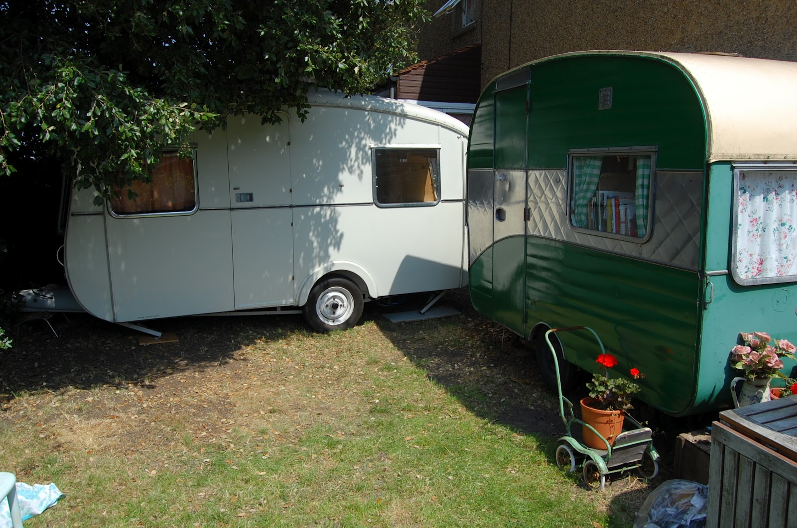 vintage caravan section brilliant if you are smitten about your vintage caravan vehicle and want to show it off and get a little publicity even