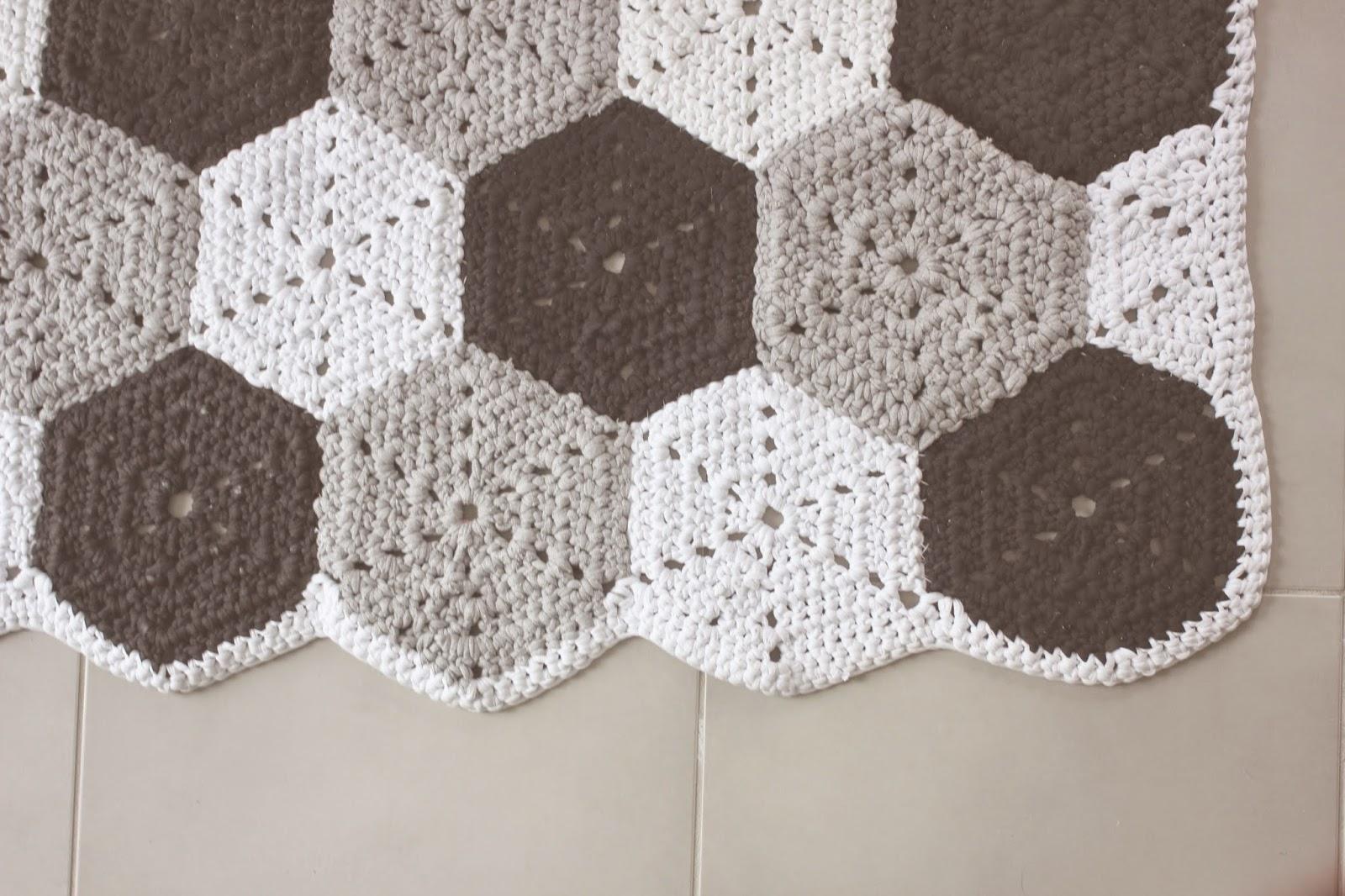 ah ma bichette mes tapis au crochet. Black Bedroom Furniture Sets. Home Design Ideas