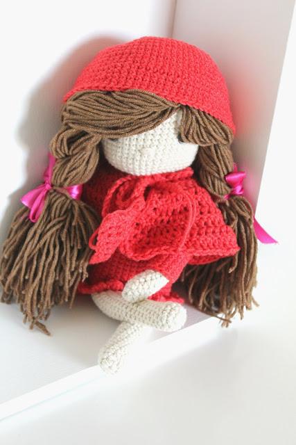 crochet doll, lala na szydełku, szydełkowa lala, szydełko, crochet, czerwony kapturek, lalka,