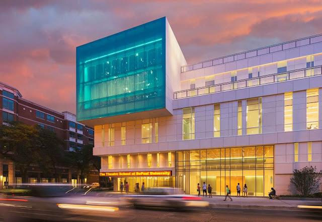 01-Theatre-School-of-DePaul-University-by-César-Pelli