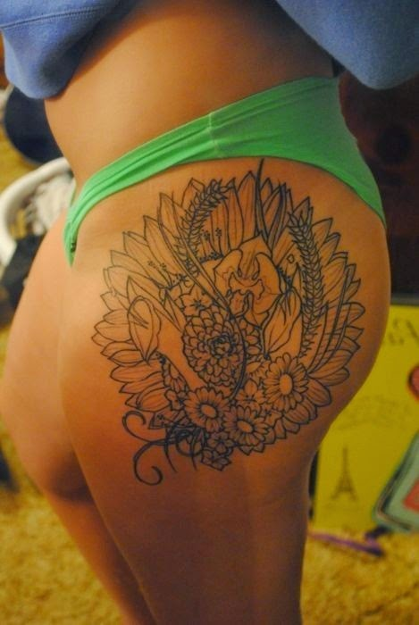 ♥ ♫ ♥ Awesome Hip Tattoo, really like this placement ♥ ♫ ♥