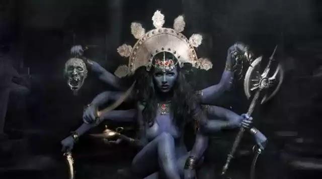 Κάλι, η θεά της καταστροφής που αγαπούσε τις ανθρωποθυσίες