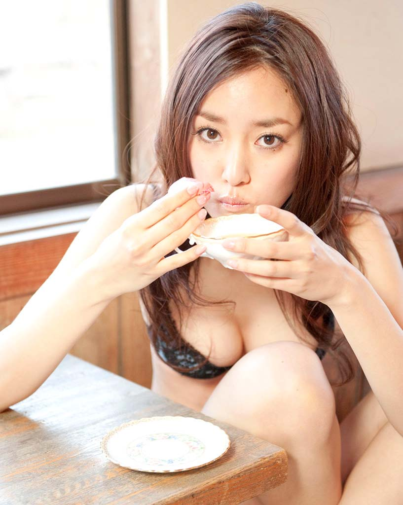 natsuko nagaike sexy bikini photo 05