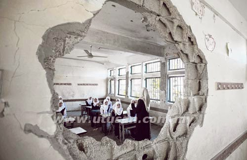 School destroyed in Gaza