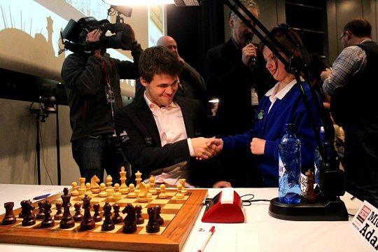 Bien joué - mais pourquoi ne pas débuter la partie d'échecs avec l'autre Cavalier comme 1.Cf3 par exemple ?