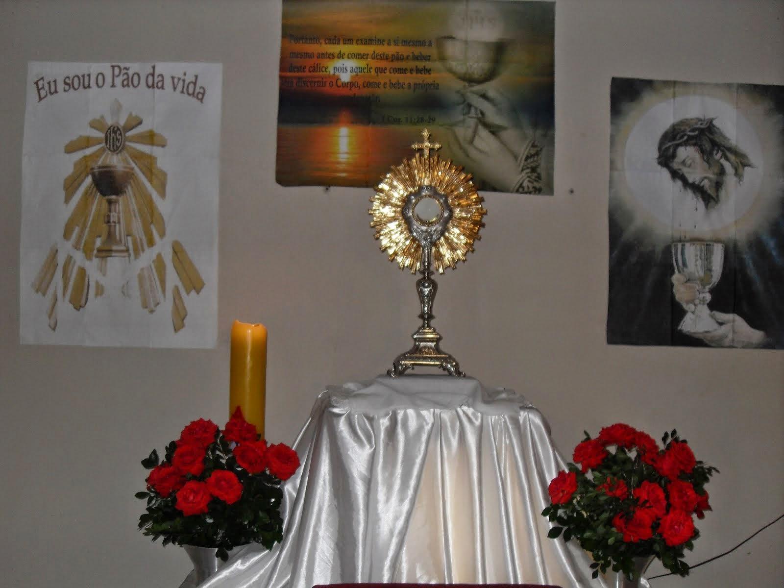 Quinta-feira de adoração na Paróquia