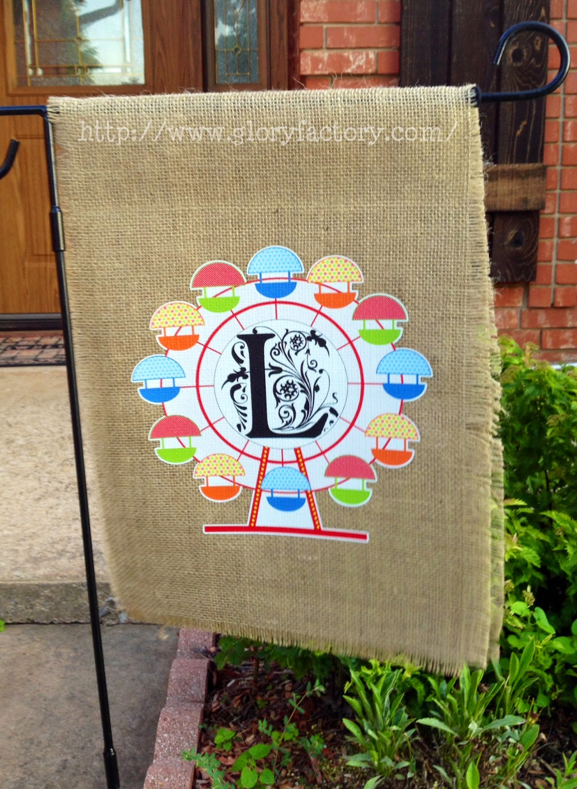 Marilyn 39 S Crafts Burlap Ferris Wheel Monogram Garden Flag