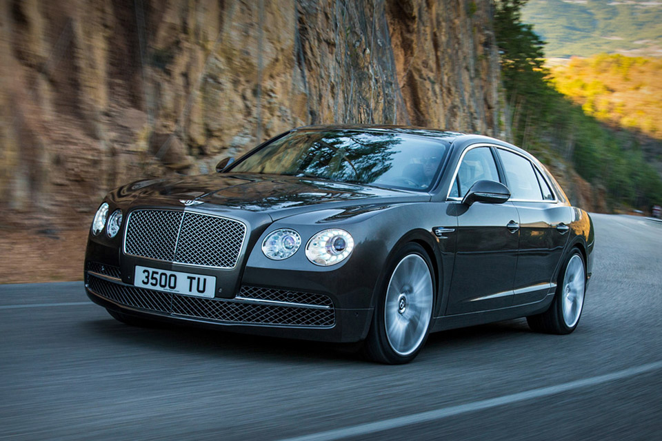 New Bentley Flying Spur (2014) [ 2014 Bentley Flying Spur Photo Gallery Bellow ] 2014 Bentley Flying Spur First Look The 2014 Bentley Flying Spur is Based on the Bentley Continental GT, the Bentley Flying Spur (2014)