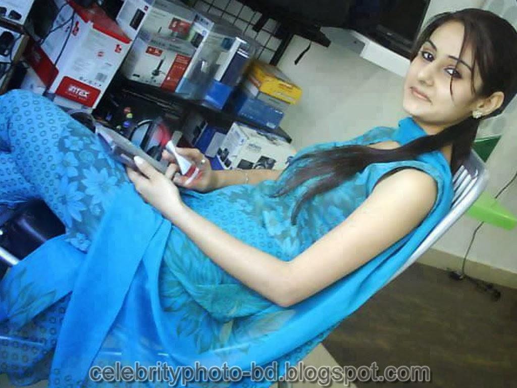 Desi+Girls+In+Salwar+Kameez+Photos003