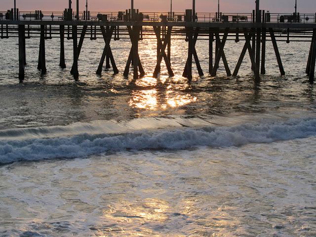 Pier, LA - Los Angeles, California - travel blogger