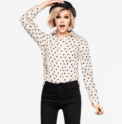 wit met zwarte blouse
