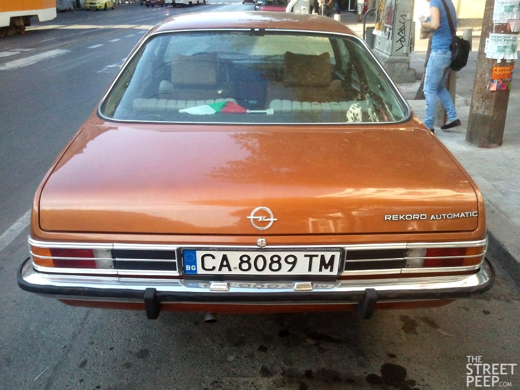 the street peep submission 1972 opel rekord d. Black Bedroom Furniture Sets. Home Design Ideas
