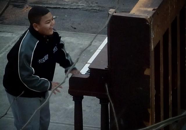 Veja o que acontece com um piano abandonado nas ruas de Nova York