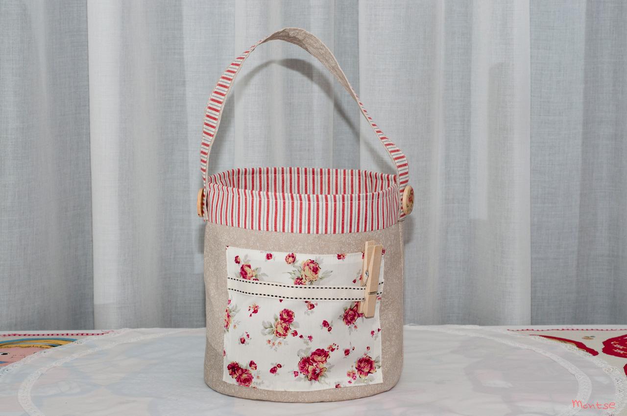 Mi cachito de patchwork bolsa para guardar pinzas de la ropa for Bolsas para guardar ropa