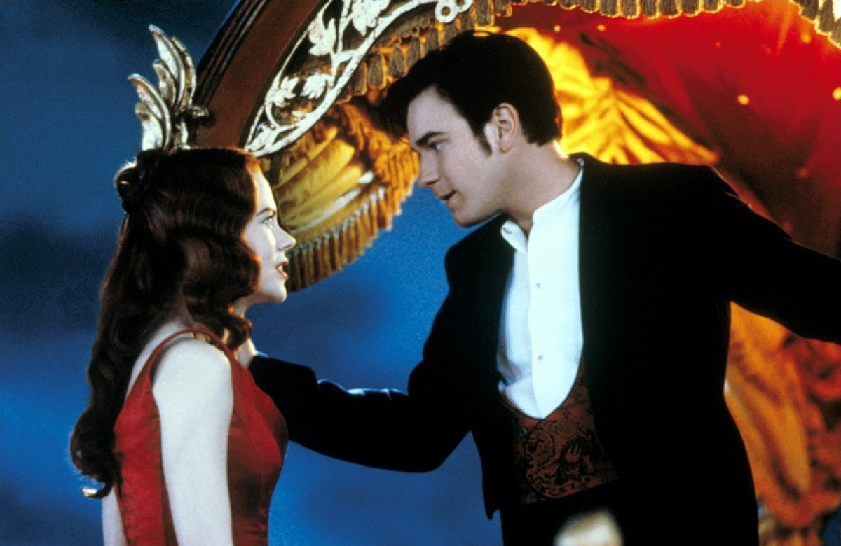 http://3.bp.blogspot.com/-c09zdQLVNso/T_rX22OSrNI/AAAAAAAACuM/jNUOm1iRyCA/s1600/photo-Moulin-Rouge-2001-2.jpg