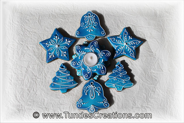 Blue gingerbread Christmas decoration by Tunde Dugantsi