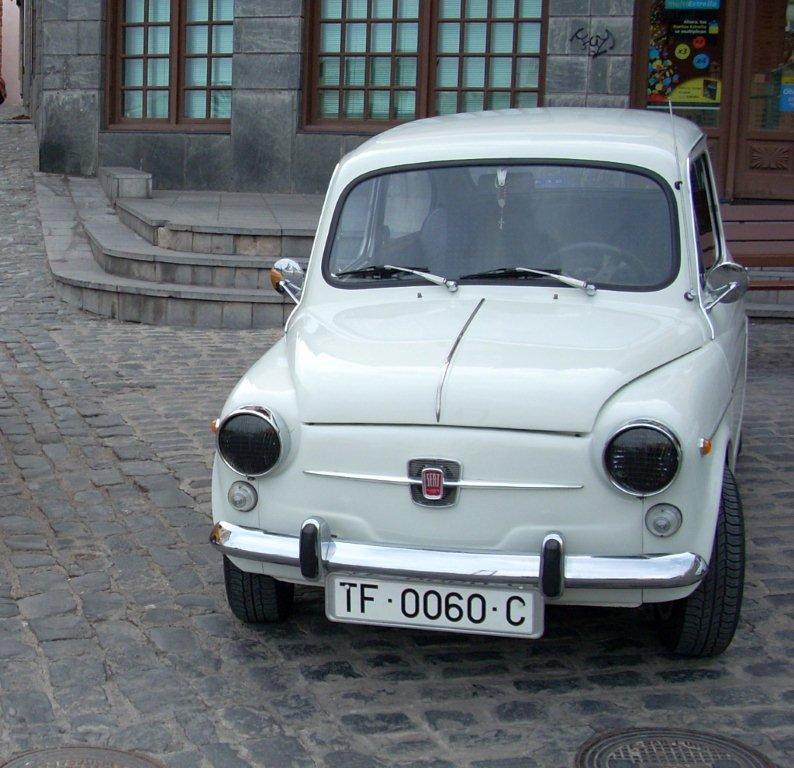 SEAT 600 E