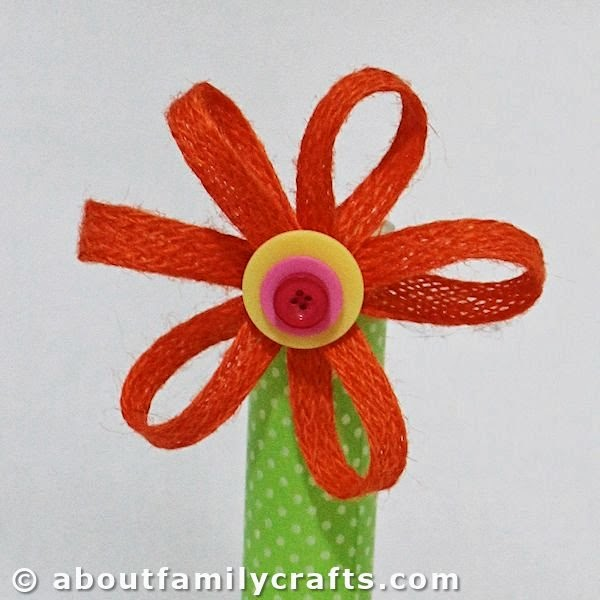 http://aboutfamilycrafts.com/flower-candy-holder-craft/
