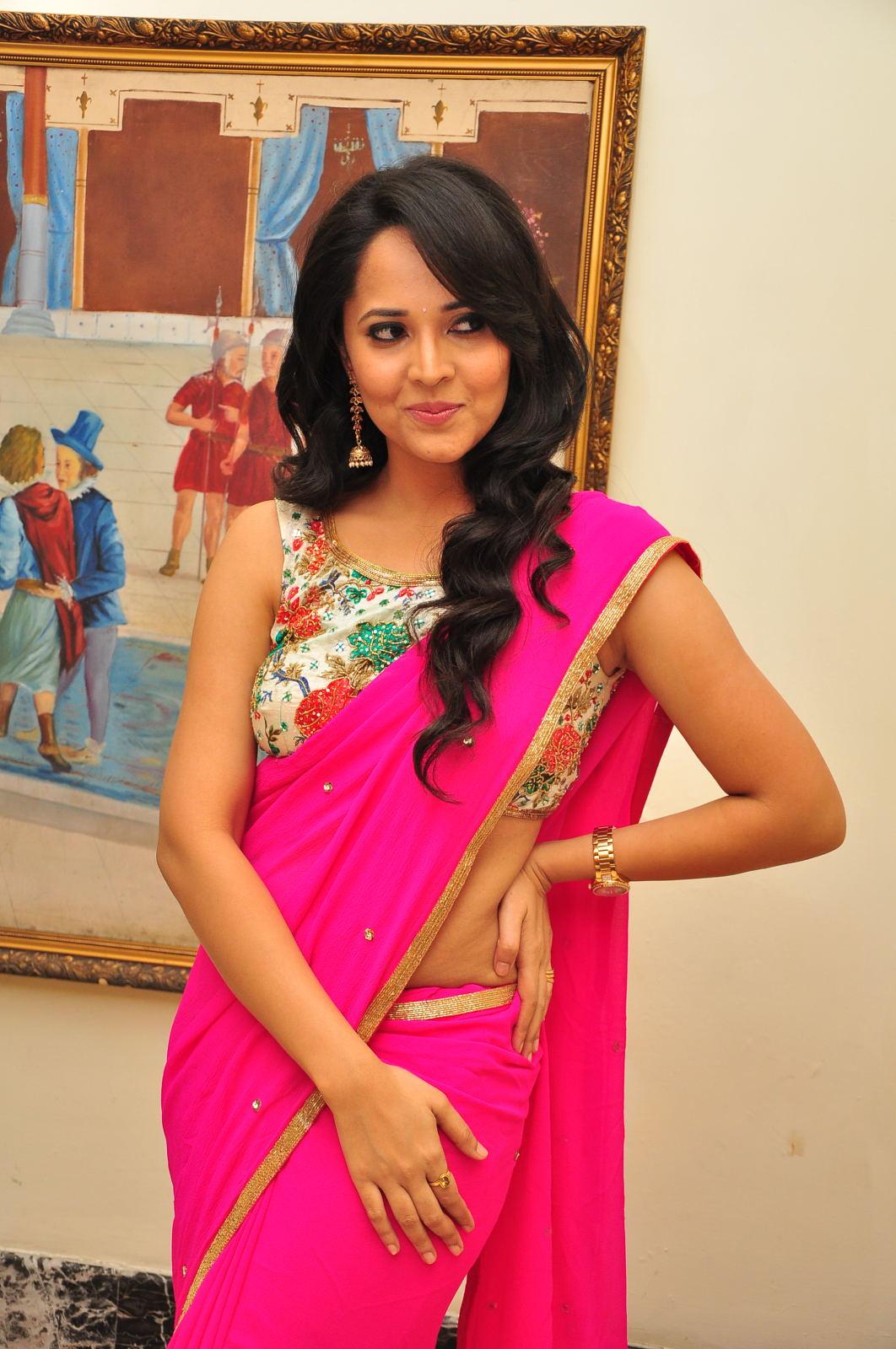 Anasuya dazzling saree photos-HQ-Photo-12
