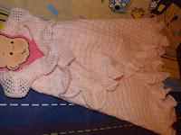 Detalle toquilla crochet bebé puesta