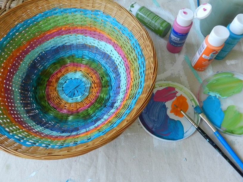 Thrifted Home Decor: Painted Baskets
