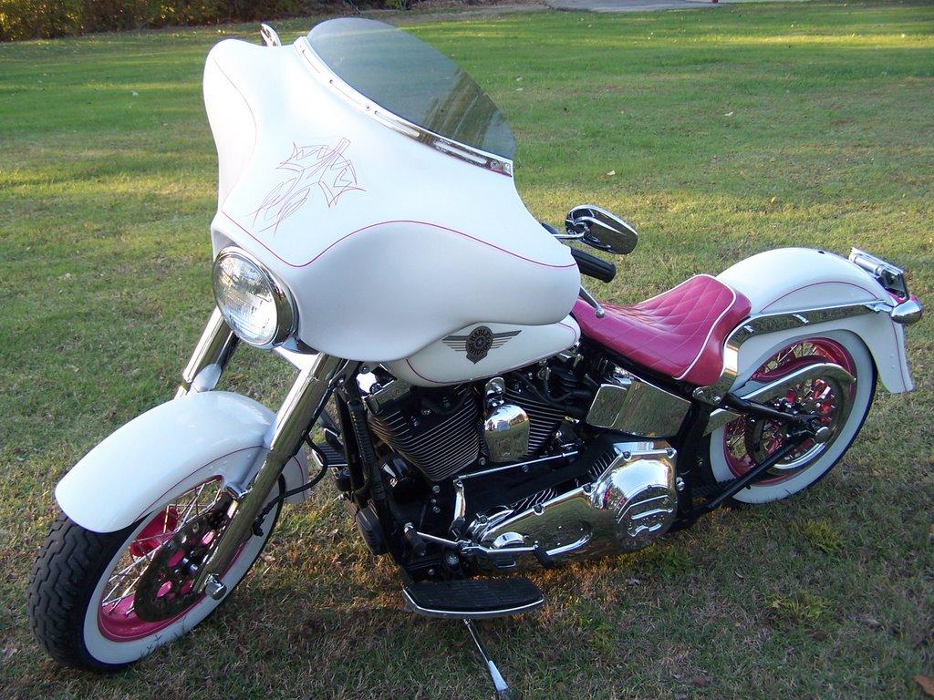 Kevins Kampoeng Harley Pink Davidson Motorcycle