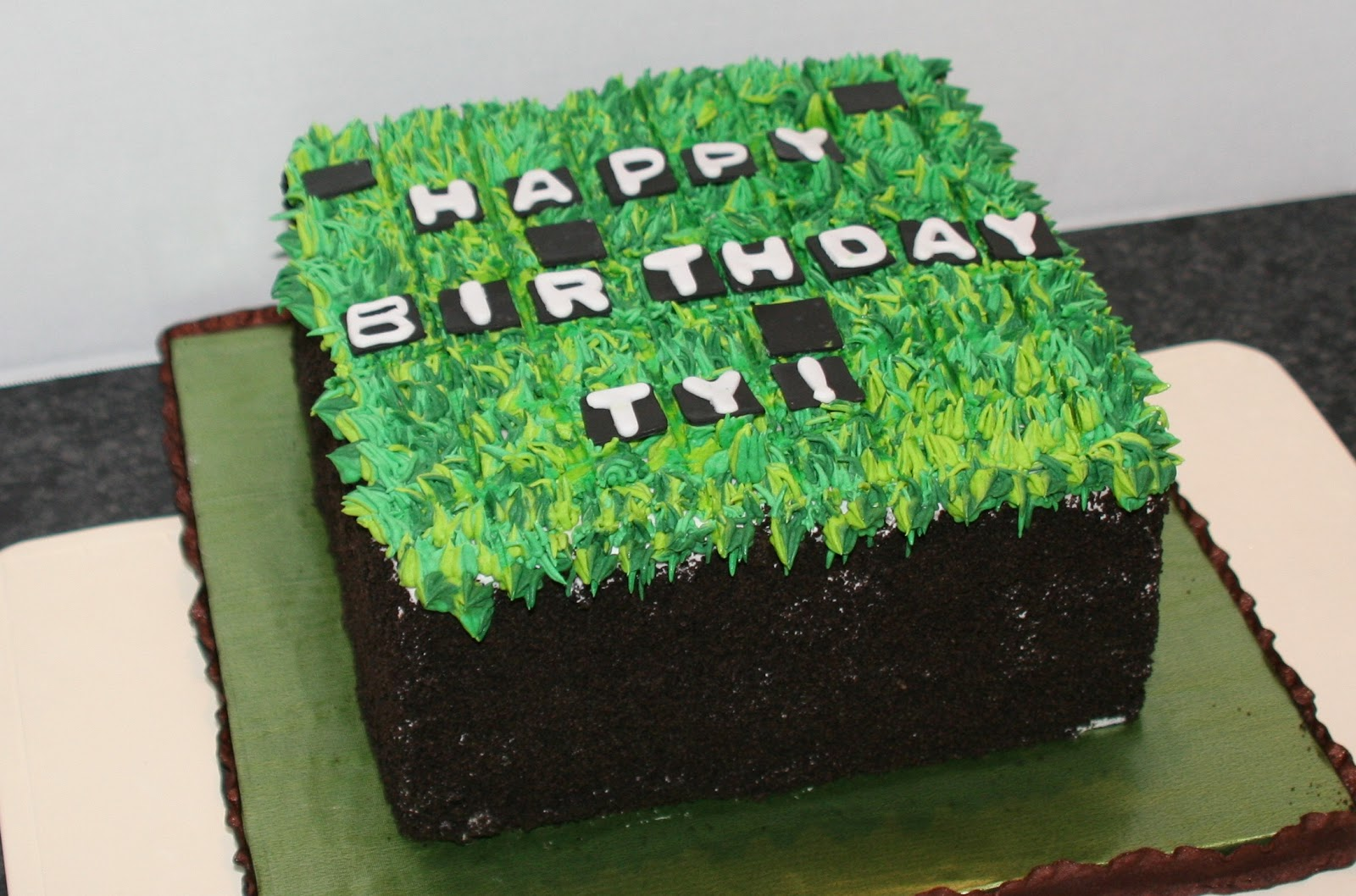 Edge Desserts Minecraft Cake Its Easier than you might think