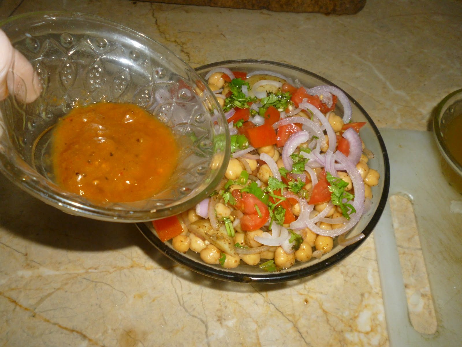 Pakistani Cooking: Simple Cholay...Chickpea snack