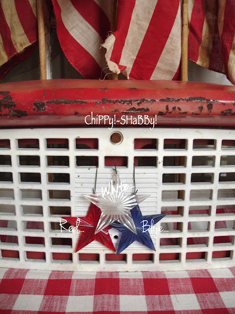 ViNtaGe AMERICANA   Honoring the R E D  W H I T E   amp  B L U E   Vintage Americana Graphics